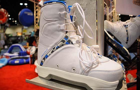 Decade boot