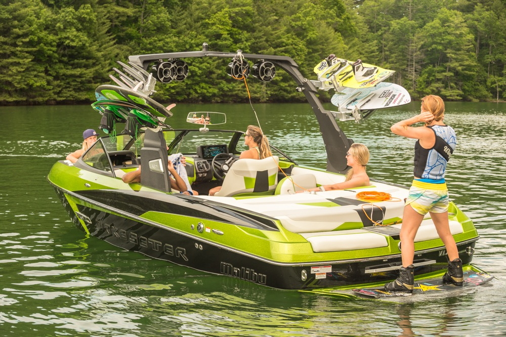 Malibu Introduces The All New Wakesetter 22 Vlx For 2015