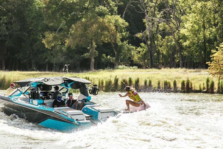 ashley-kidd-nautique-wakesurf-championships