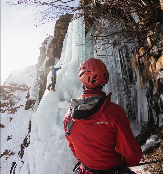 go-pro-hero9-ice-climbing