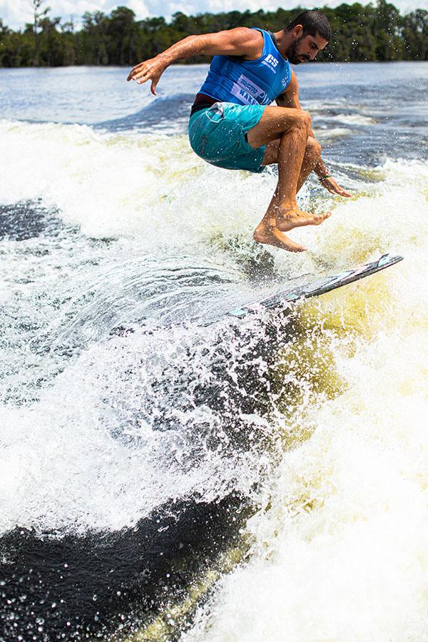 sean-silveira-wins-pro-wakesurf-tour-2020