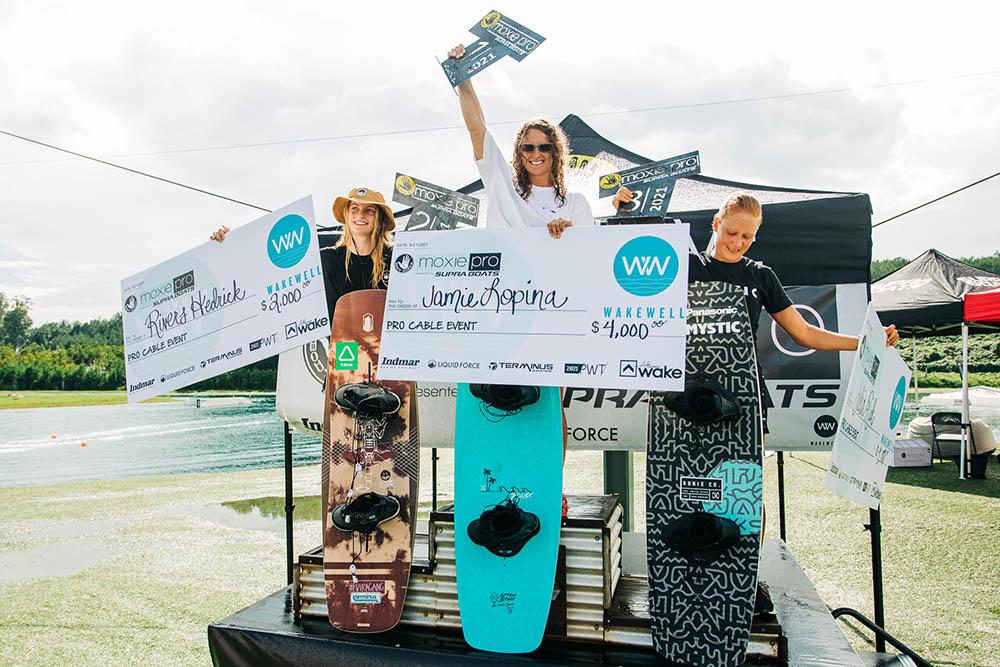 moxie-pro-season-finale-cable-podium